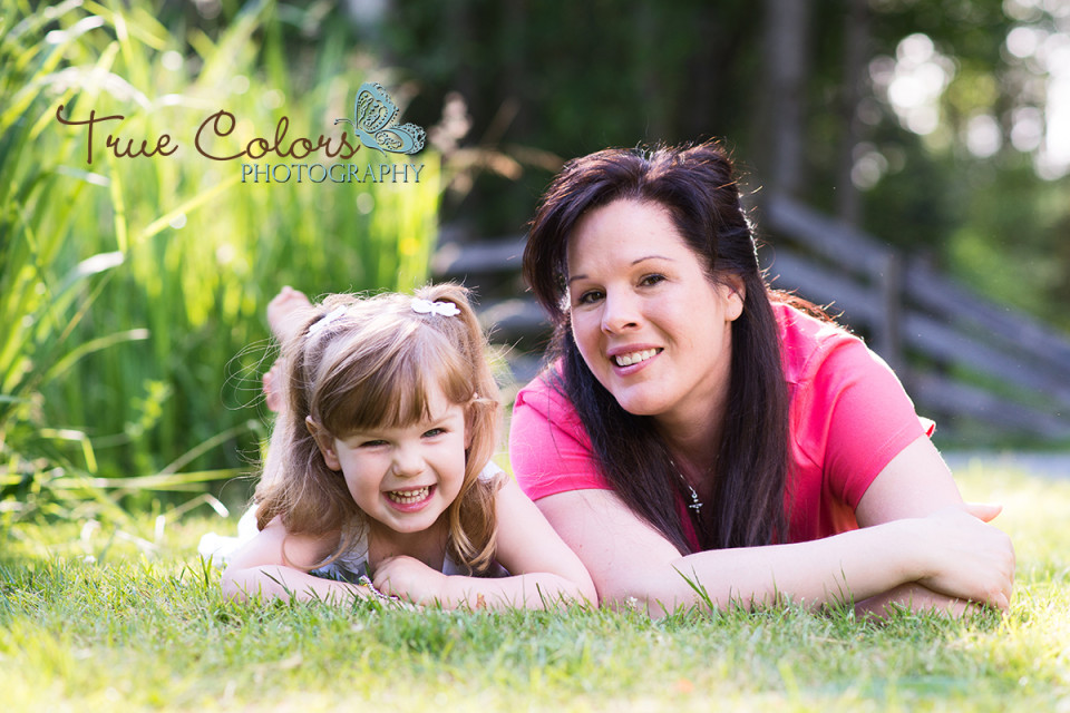 Family Outdoor location photographer Abbotsford Fraser Valley
