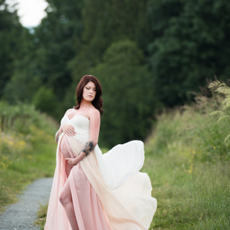 Maternity Photographer Abbotsford fraser valley studio outdoor