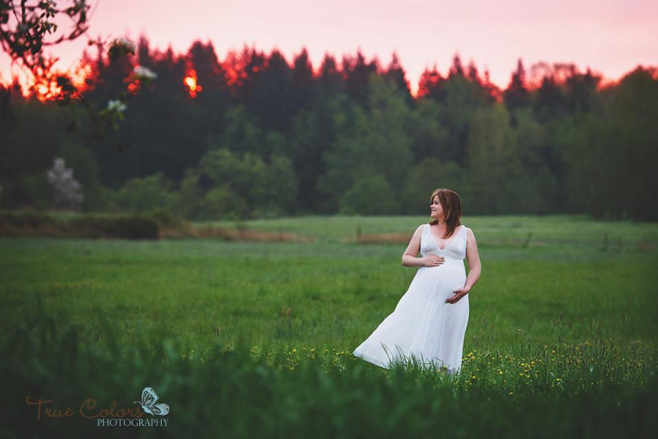 Abbotsford Fraser Valley Maternity Photographer