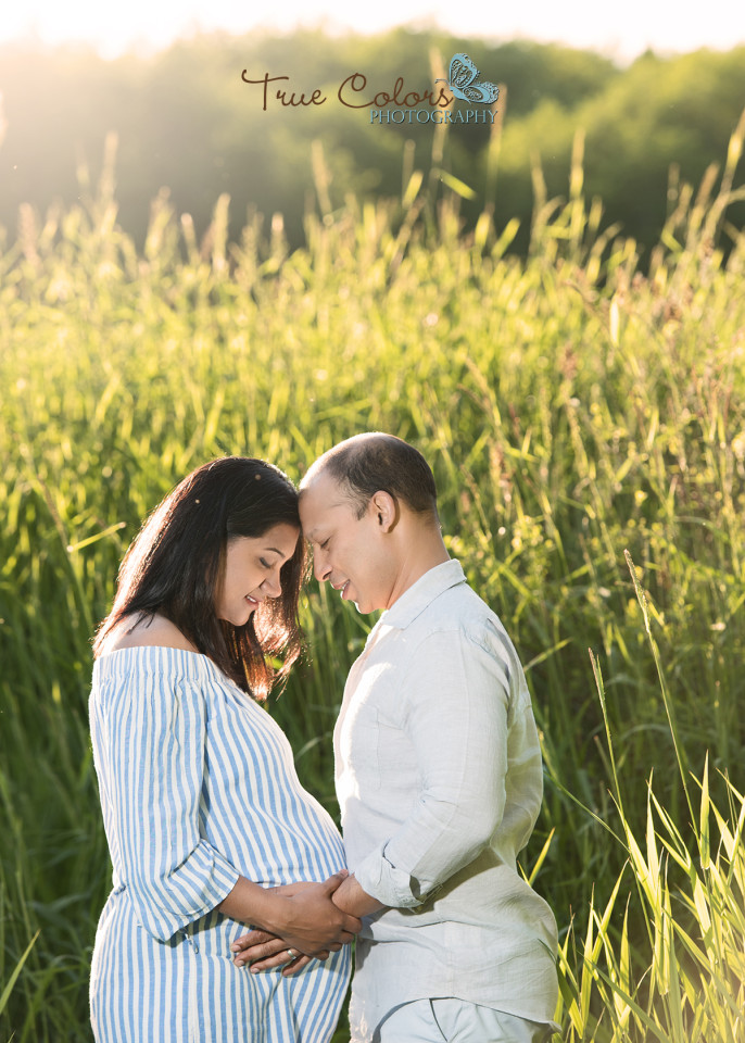 Abbotsford fraser valley Maternity photographer Langley Campbell Valley Park South